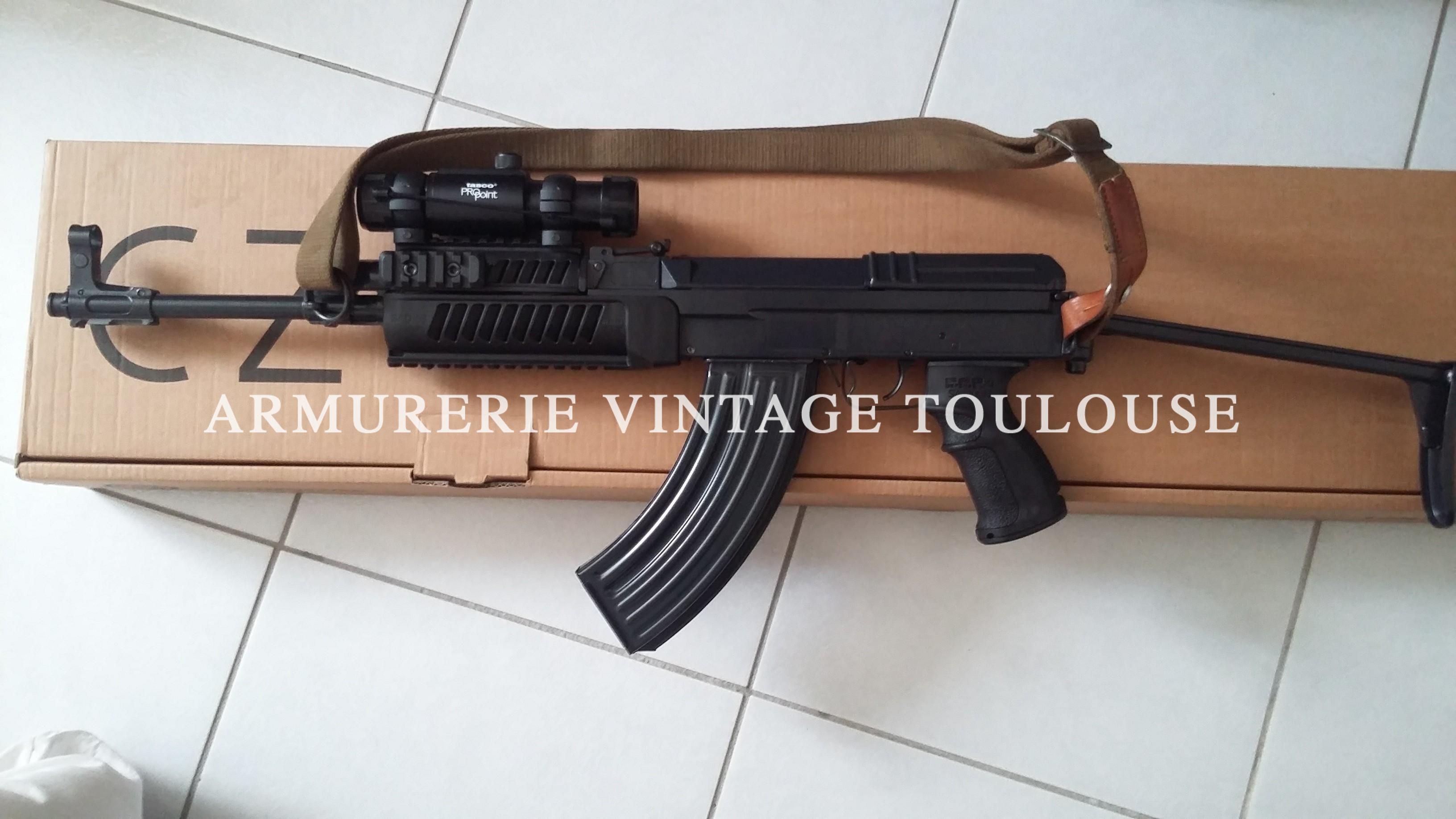Rare et convoitable carabine VZ 58 calibre 7,62X 39 avec 500 cartouches