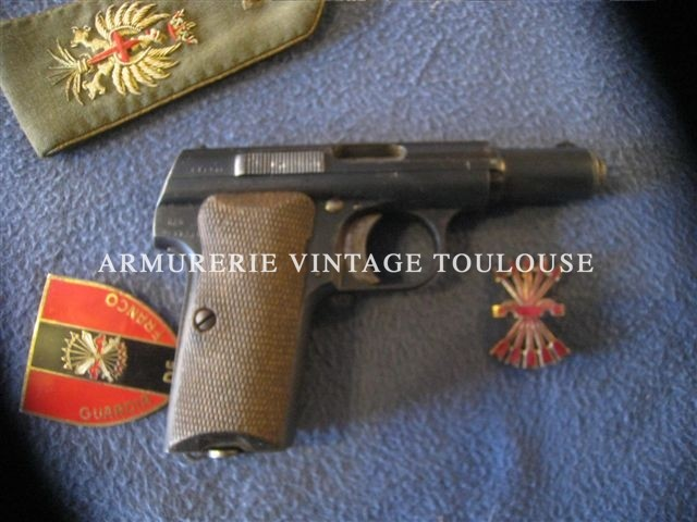 Rare et joli Astra 300 contrat Allemand calibre 9mm court fabrication de 1942