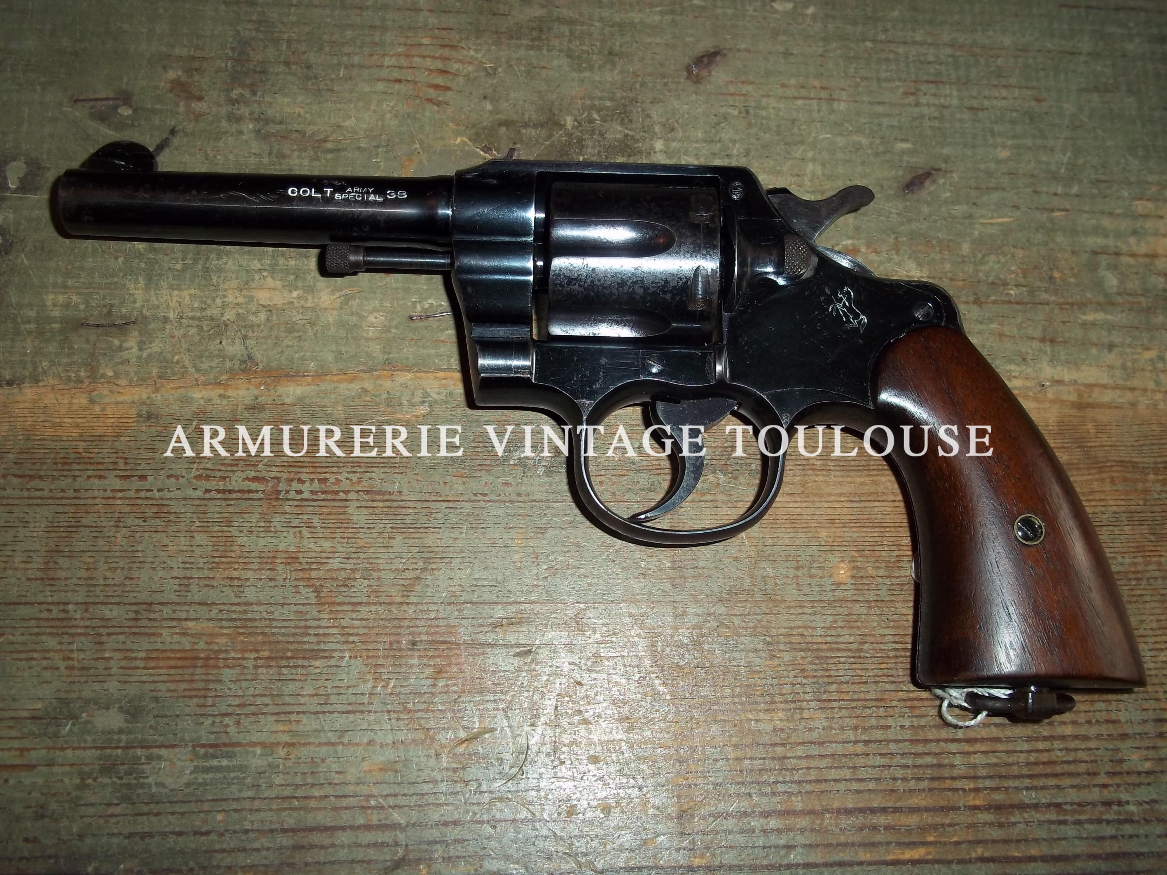 """Beau revolver """"Colt army special 38""""  modèle 1905 réglementaire Grec,"""