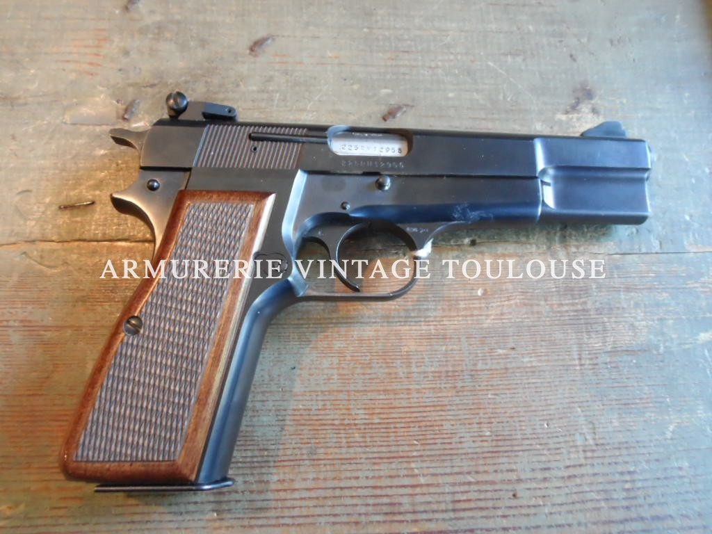 Joli pistolet calibre 9 mm Browning GP 35