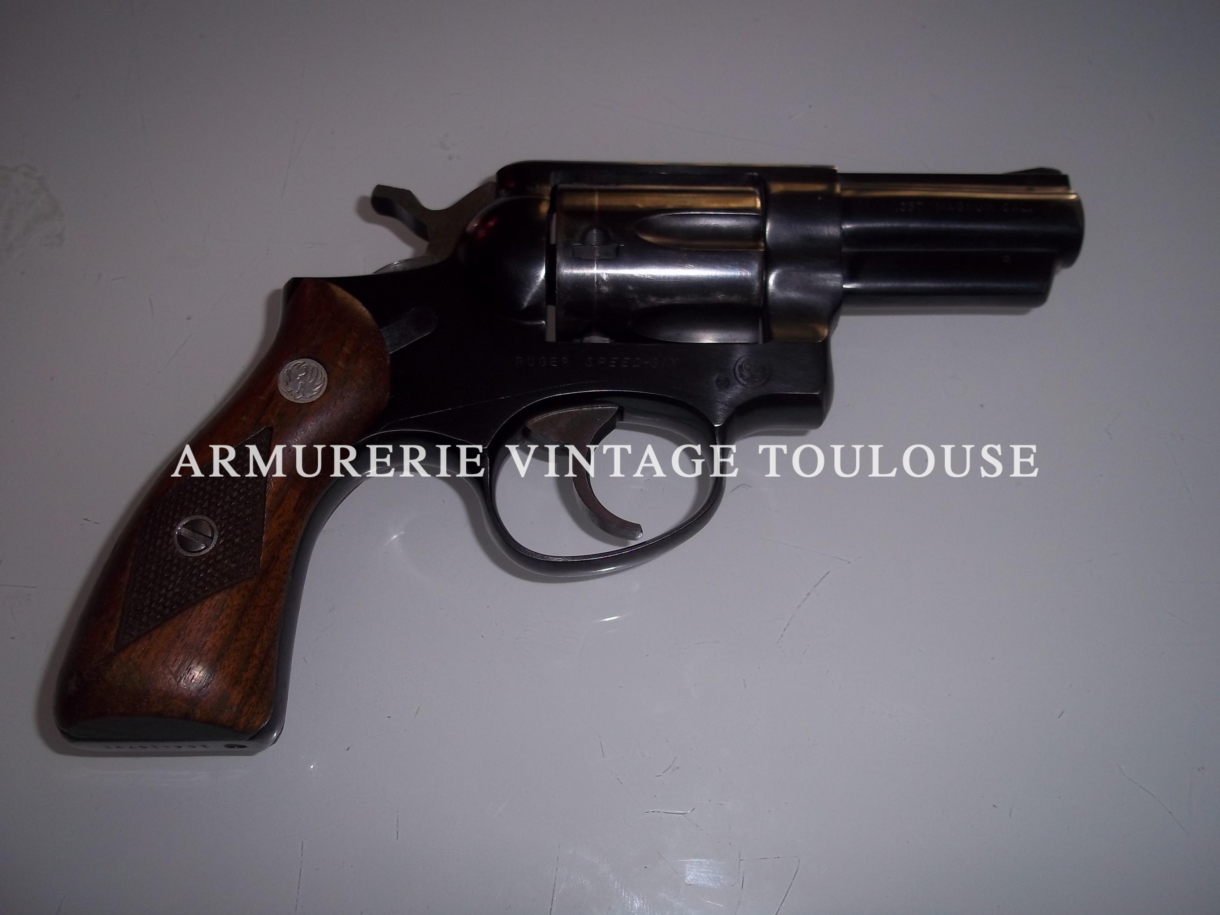 """Revolver calibre 357 Magnum Ruger """"Speed Six"""" bronzé canon de 2,5 pouces."""
