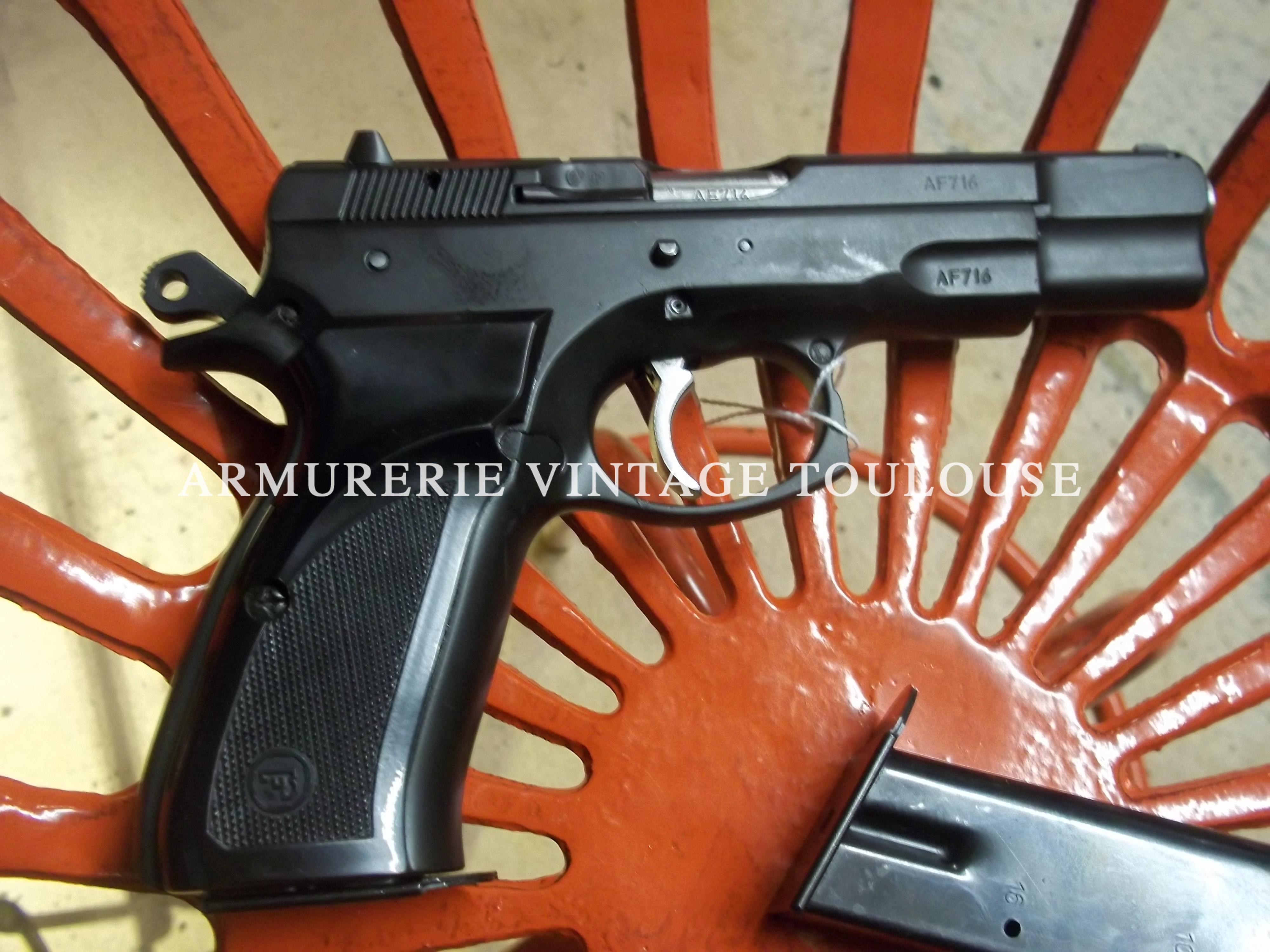 Joli pistolet CZ 75 B calibre 9X19 d'occasion