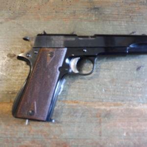 "Impressionnant pistolet STAR ""B"" calibre 9 X 19."