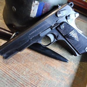 Pistolet Germano-Polonais RADOM VIS 35 calibre  9 X 19