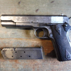 Pistolet 1911 calibre 45 A.C.P. fabrication Colt
