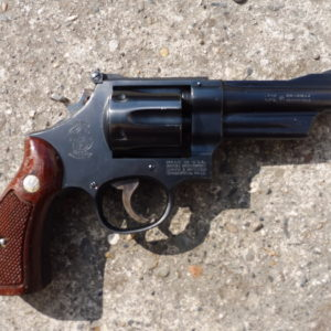 Gros révolver (1180 grammes) Smith & Wesson type 28/2 Highway patrolman