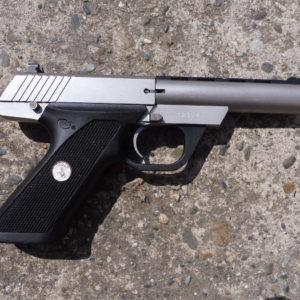 Pistolet semi automatique calibre 22 LR Colt