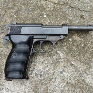 P 38 calibre 9 x 19