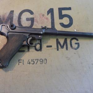 """Pistolet P 08 Artillerie fabrication """"D.W.M."""" en 1917 calibre 9 X 19"""