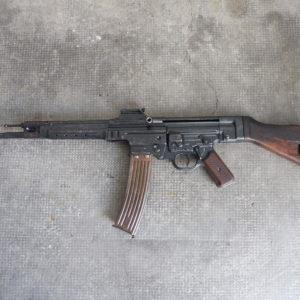 """Fusil d'assaut Allemand Mp 44 calibre 7,92 x 33 bridé en répétition manuelle catégorie """"B""""2"""