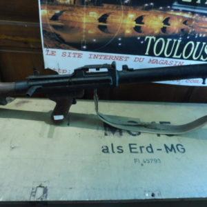 Mitrailleuse fictive compromis entre une MG 34 et une MG 08/15