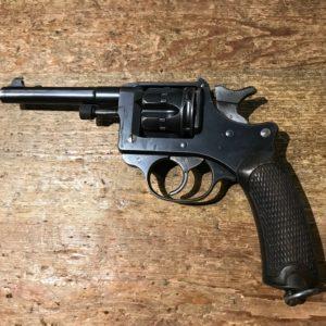 Revolver réglementaire Français modèle 1892