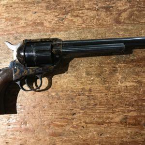 RépliqueItalienne d'un revolver Colt 1873