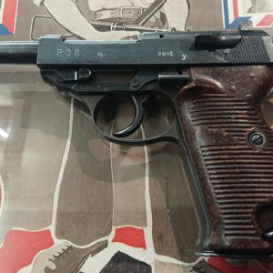 Beau pistolet Walther P 38