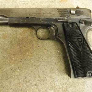 Pistolet Polonais RADOM VIS 35 calibre 9×19