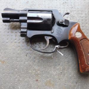 Joli revolver Smith et Wesson modèle 36