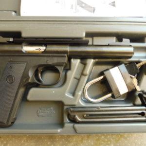 Pistolet de tir Ruger calibre 22LR en boite
