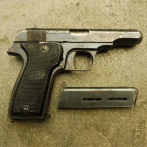 """Pistolet Semi automatique MAB """"R"""" calibre 7,65 avec deux chargeurs"""