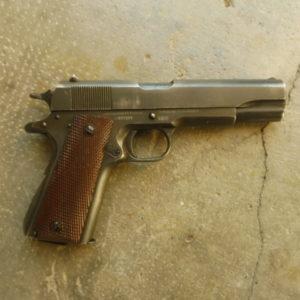 """Superbe pistolet 1911 A1 seconde guerre mondiale fabrication """"Colt"""" en 1943!"""