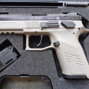 Parfaite occasion: pistolet CZ P07 Kadet calibre 22 LR