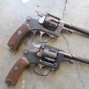 Divers révolvers réglementaire Français modèle 1892 calibre 8 mm