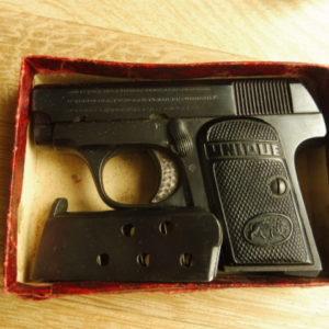 Petit pistolet Unique en calibre 6,35 mm