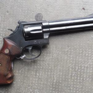 Joli Revolver Smith et Wesson modèle 586