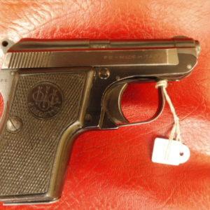 Joli petit pistolet Beretta modèle 950 en calibre 6,35 mm