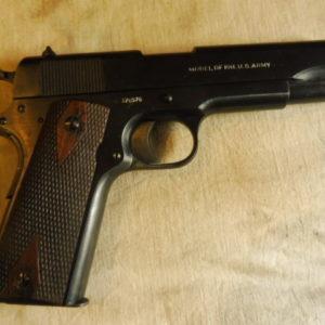 Pistolet Colt 1911 calibre 45 ACP fabrication 1917