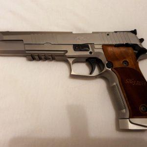 Superbe pistolet Sig-Sauer P 226 X-six classic calibre 9 x19finition inox
