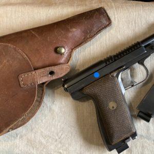 Splendide pistolet Manufrance le Français type armée en calibre 9 mm Browning long