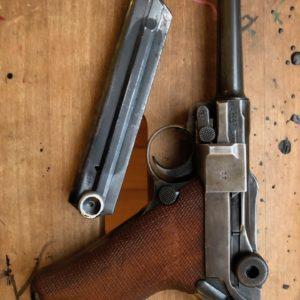 Beau pistolet P 08 Mauser (code 42) fabrication 1938