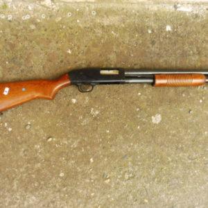 Fusil à pompe 5 coups Mossberg mod 500 A calibre 12/76