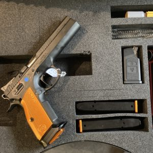 Pistolet semi-automatique CZ 75 TS calibre 9 x19