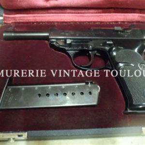 Superbe pistolet Walther P1 calibre 9×19 dans son coffret d'usine