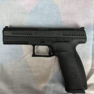 """Pistolet semi-automatique CZ modèle P 10 F calibre 9 x19 de catégorie """"B"""""""