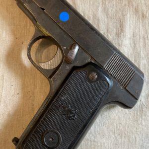 Superbe variante civile en calibre 7,65 du pistolet Ruby