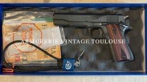 """Rare variante commémorative """"100 years of service"""" d'un Colt 1911"""